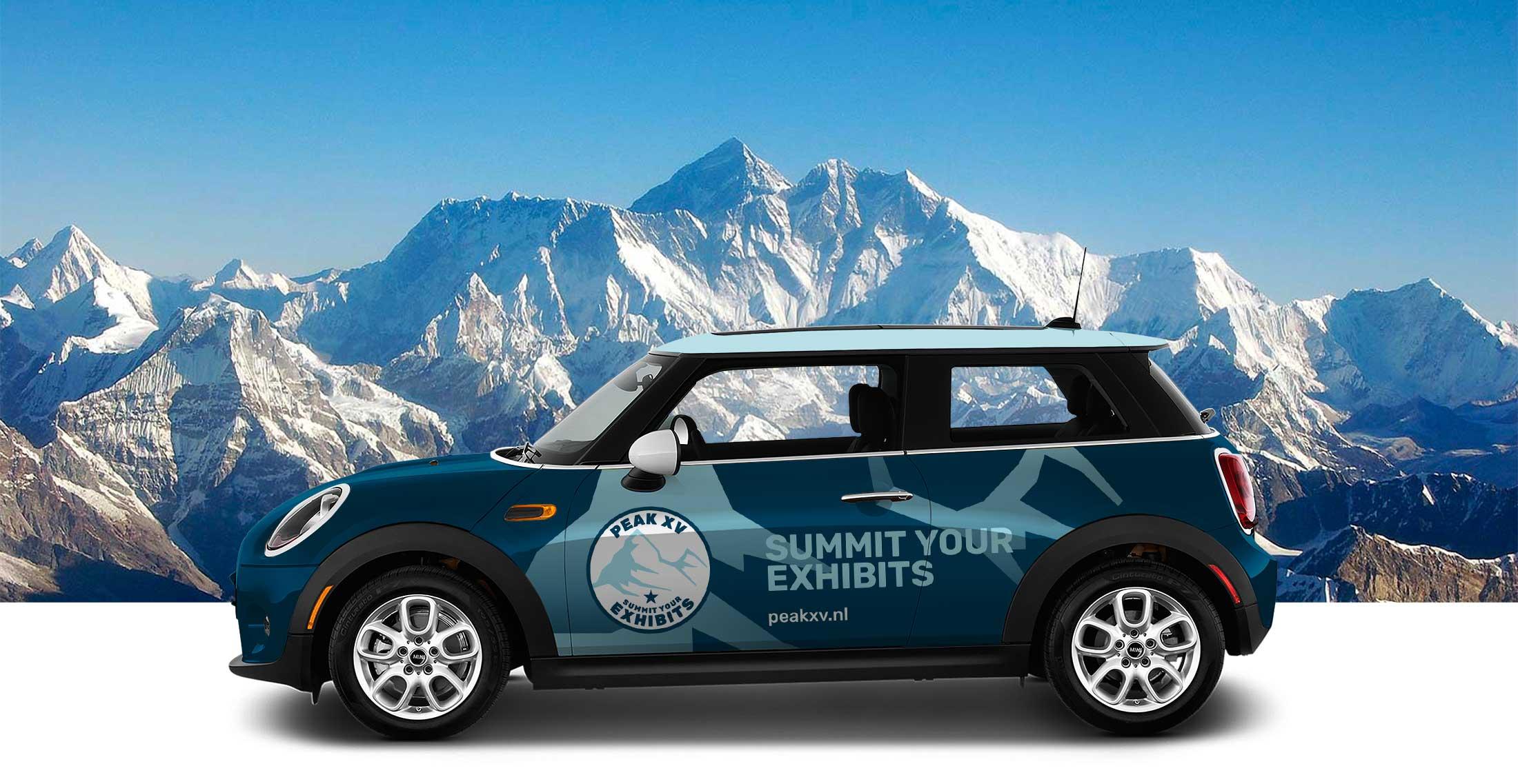 Auto belettering ontwerp in lijn met website ontwerp